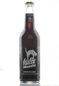Kalte Muschi - Mixgetränk aus Rotwein und Cola (Foto: TZAC oHG)