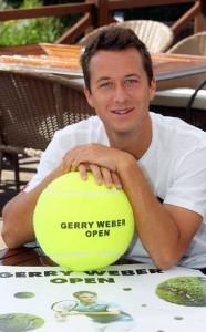 Mannschafts-Weltmeister Philipp Kohlschreiber bezog vorzeitig Quartier im GERRY WEBER Sportpark Hotel, um sich optimal auf die GERRY WEBER OPEN 2011 vorzubereiten. © GERRY WEBER OPEN (HalleWestfalen)