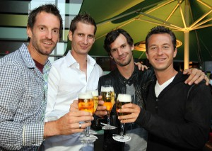 Verschworenes Team: Das deutsche Davis Cup-Team hat viel Freude bei der &gt;Players Party&lt; im Bielefelder Elephant Club (von links): Christopher Kas, Philipp Petzschner, Florian Mayer und Philipp Kohlschreiber.  GERRY WEBER OPEN (HalleWestfalen) 