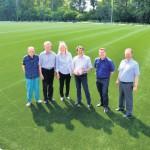 Letzte Arbeitsphase am neuen Kunstrasen im Stadion des TuS Solbad hat begonnen