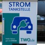 TWO eröffnet erste Stromtankstelle in Halle