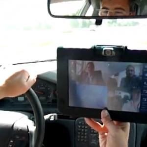 vimate im Auto, Videokonferenz während der Autofahrt