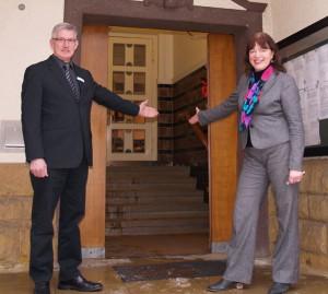 (von links) Christian Loest, Bürgermeisterin Anne Rodenbrock-Wesselmann