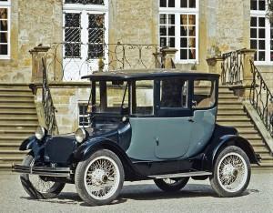 Ein Stück Automobilgeschichte: Der Detroit Electric aus dem Jahr 1915 ist einer der Höhepunkte der Sonderausstellung zum Thema Elektromobilität auf der Gewerbeschau Gartnisch.