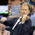 André Rieu Violinen-Star, Conferencier und Entertainer vereint Leidenschaft und Emotionalität