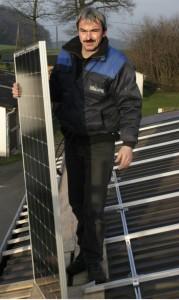 Halles Photovoltaik-Pionier Klaus-Martin Scholz verzeichnet angesichts der Debatte um den Atomausstieg eine rasante Nachfrage an umweltfreundlichen Solarstrom-Anlagen.