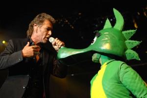 Zwei Bühnenstars: Peter Maffay und Tabaluga. Das musikalische Rock-Märchen geht im kommenden Jahr auf große Deutschland-Tour und ist am 16. Oktober 2012 auch im GERRY WEBER STADION in HalleWestfalen zu Gast.