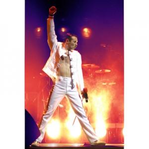 Fiktion und Wirklichkeit verschmelzen bei One Night of Queen zu einem begeisterndem Live-Konzerterlebnis: Freddie Mercury alias Gary Mullen mit einzigartiger Perfomance am 22. Januar 2012 im GERRY WEBER EVENT CENTER in HalleWestfalen.