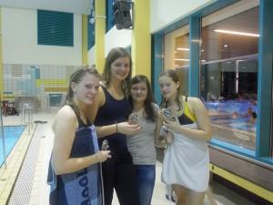 Siegreiche Damenstaffel ( vlnr Melanie Barthel, Svea Lüdorff, Lisa Schmidt, Jana Schumacher)