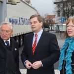 Enak Ferlemann, Parlamentarischer Staatssekretär des Bundesverkehrsministeriums, machte sich mit Gerhard Weber und Halles Bürgermeisterin Anne Rodenbrock-Wesselmann vor Ort ein Bild von der Verkehrssituation auf der B 68 in Halle.
