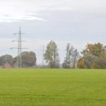 Bild zeigt die bestehende 220 kV Hochspannungsleitung in Halle/Künsebeck. Foto: Altkreis-Halle.Net
