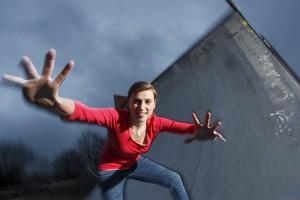 Christina Schneider wird den Jugendförderpreis und die Bewerber be-gleiten und sowohl im Internet als auch vor Ort in Schulklassen und bei Vereinen über alles Wichtige informieren.