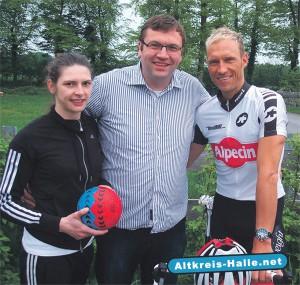 Unser Foto zeigt – von links: Handballerin der 3. Liga Sina Speckmann, CDU-Landtagskandidat (Wahlkreis 94) Hendrik Schaefer, Ex-Radprofi Jörg Ludewig.