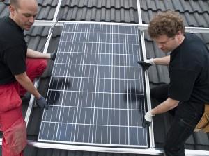 408 Strom erzeugende Solaranlagen arbeiten bereits auf den Dächern der Lindenstadt. Im vergangenen Jahr sind 68 neu dazugekommen.
