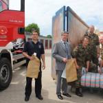 Hilfe für die Flutgebiete: Alle Kreise des Regierungsbezirks Detmold spenden gemeinsam rund 255.000 Sandsäcke für den Salzlandkreis in Sachsen-Anhalt