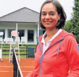 """Sportlich: Jasmin Wahl-Schwentker spielt seit über 20 Jahren Tennis. """"Die Bewegung und der Teamgeist stehen dabei im Vordergrund"""", sagt die Kandidatin der Liberalen. Foto: W. Rudolf"""